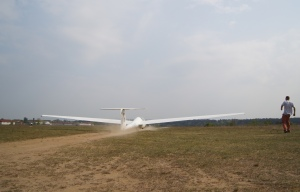 Takeoff via winch (0-120 km/h in less than 5s).